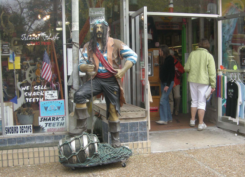 Pirate manikin stands outside Amelia Island gift shop
