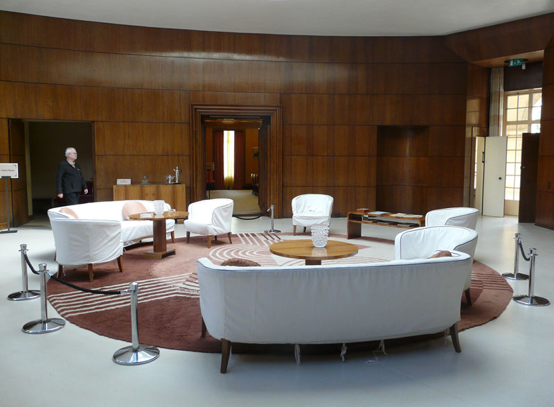 eltham palace uniquely combines the medieval and art deco